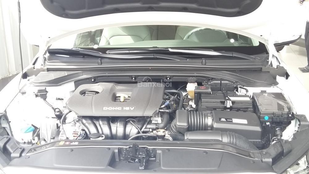 Bán xe Hyundai Elantra 2.0AT 2018, màu đỏ tặng phụ kiện, xe giao ngay-6