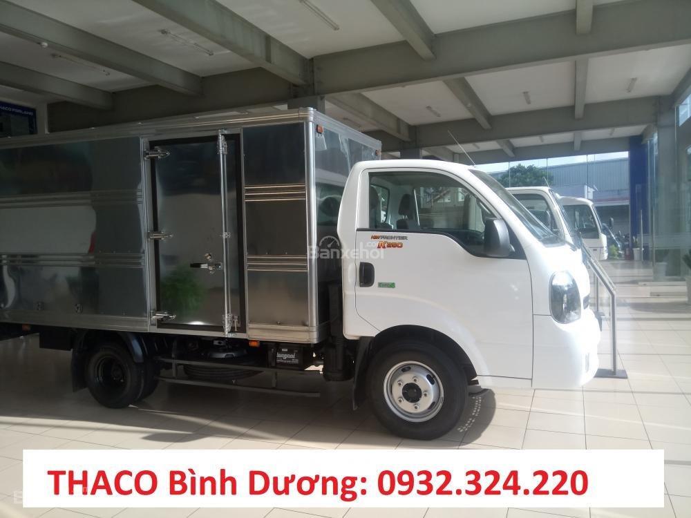 Bán xe tải 1,9 tấn K200. Động cơ Hyundai, hỗ trợ trả góp, xe có sẵn tại Bình Dương (2)