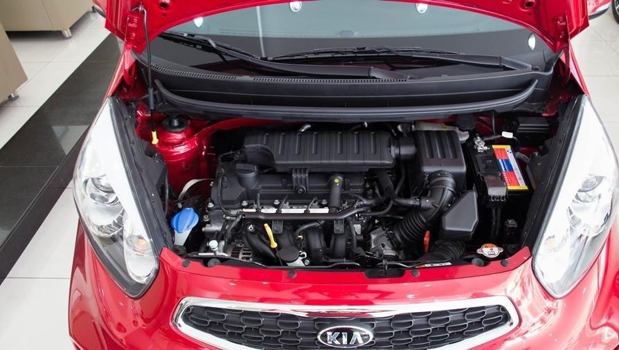 So sánh Kia Morning Si 2018 lắp ráp và Kia Morning 2011 nhập khẩu về động cơ.