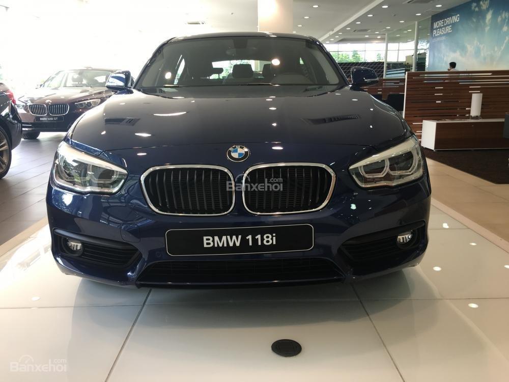 BMW Phú Mỹ Hưng - BMW 1 Series 118i 2018, nhập khẩu nguyên chiếc. Liên hệ: 0938805021 - 0938769900-0