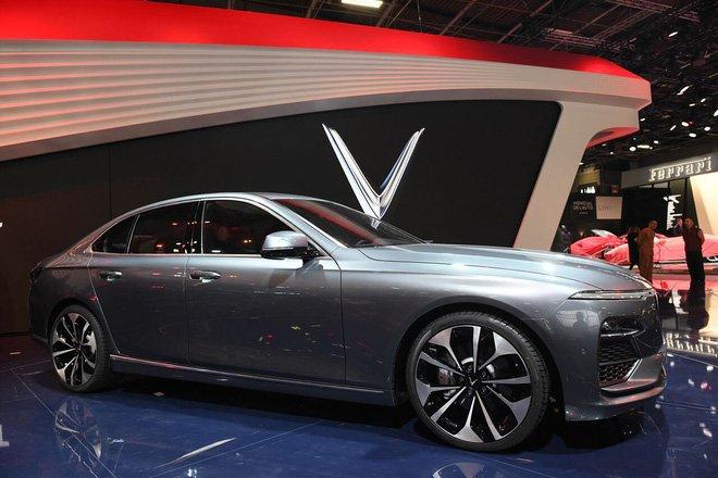 Giá xe VinFast LUX A2.0 mới nhất.