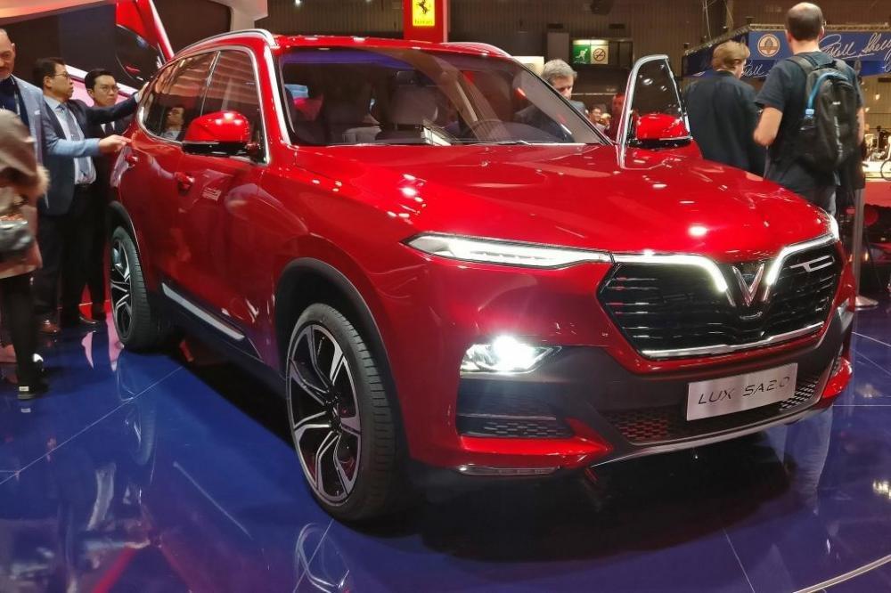 SUV VinFast SA 2.0 tại triển lãm ô tô Paris Motor Show 2018//