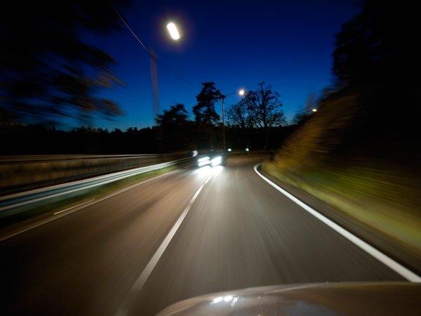 Đây là 4 thói quen lái xe cực ẩu mà tài xế nên khắc phục 3.