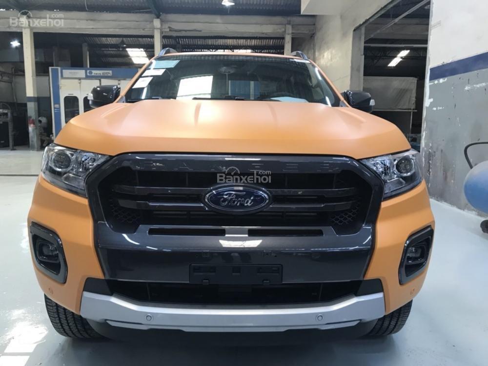 """""""Hot Hot"""" Ford Ranger Wildtrak Bi Turbo 2.0L ưu đãi nắp thùng, BHVC, xe giao ngay, ngân hàng hỗ trợ 90%, lãi suất 0,5%-6"""
