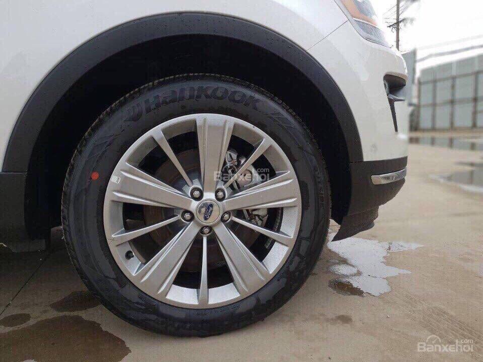 Bán ô tô Ford Explorer 2.3L Ecoboost Limited form 2018, màu trắng, xe nhập Mỹ, hỗ trợ thủ tục trả góp 80%-5