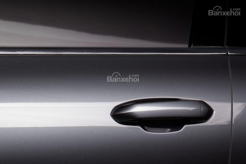 Đánh giá xe VinFast LUX A2.0: Tay nắm cửa.