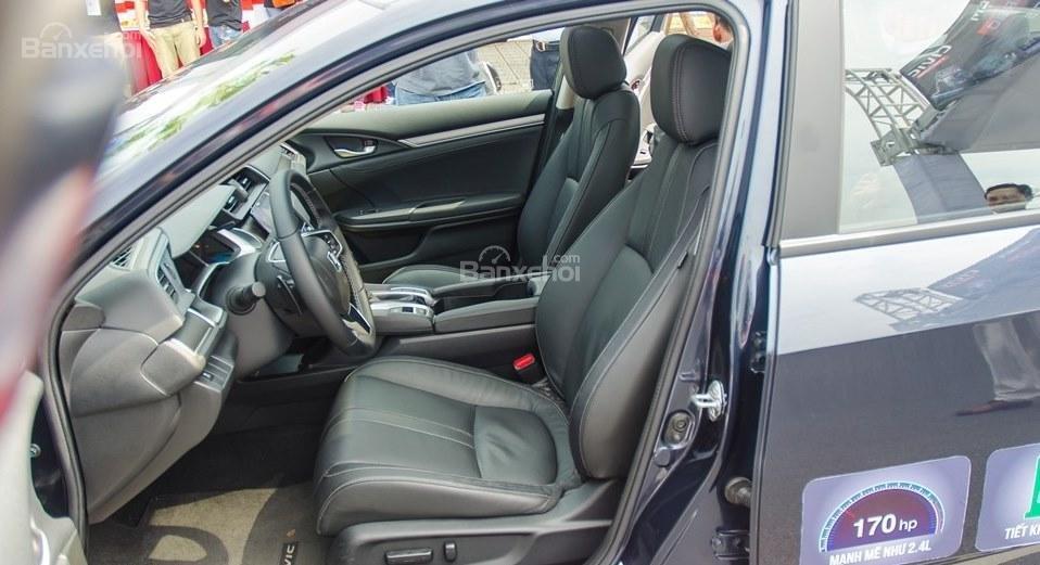Honda Civic 1.5L và Toyota Corolla Altis Sport 15