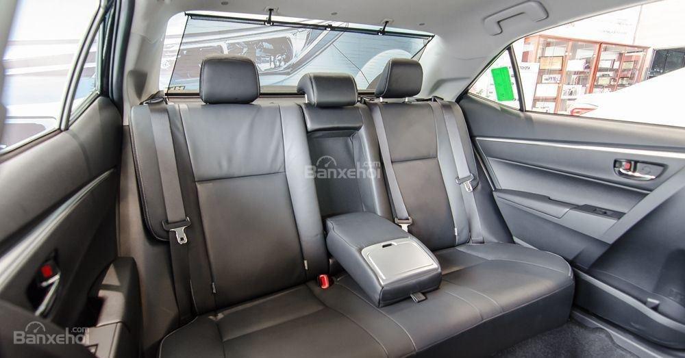 Honda Civic 1.5L và Toyota Corolla Altis Sport 16
