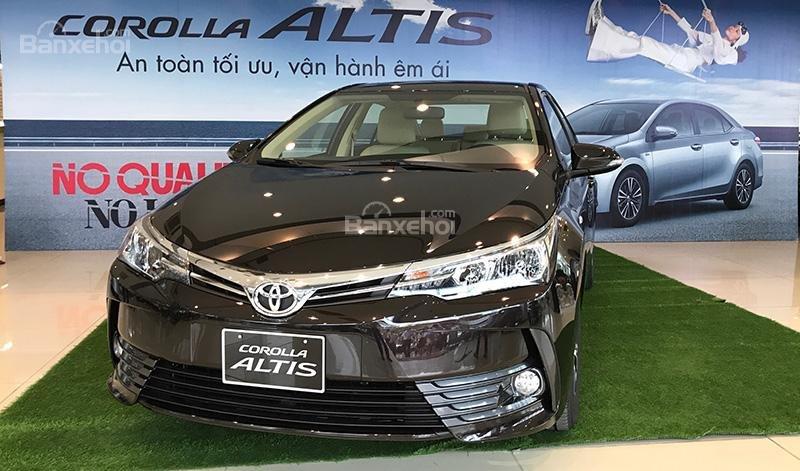 Honda Civic 1.5L và Toyota Corolla Altis Sport