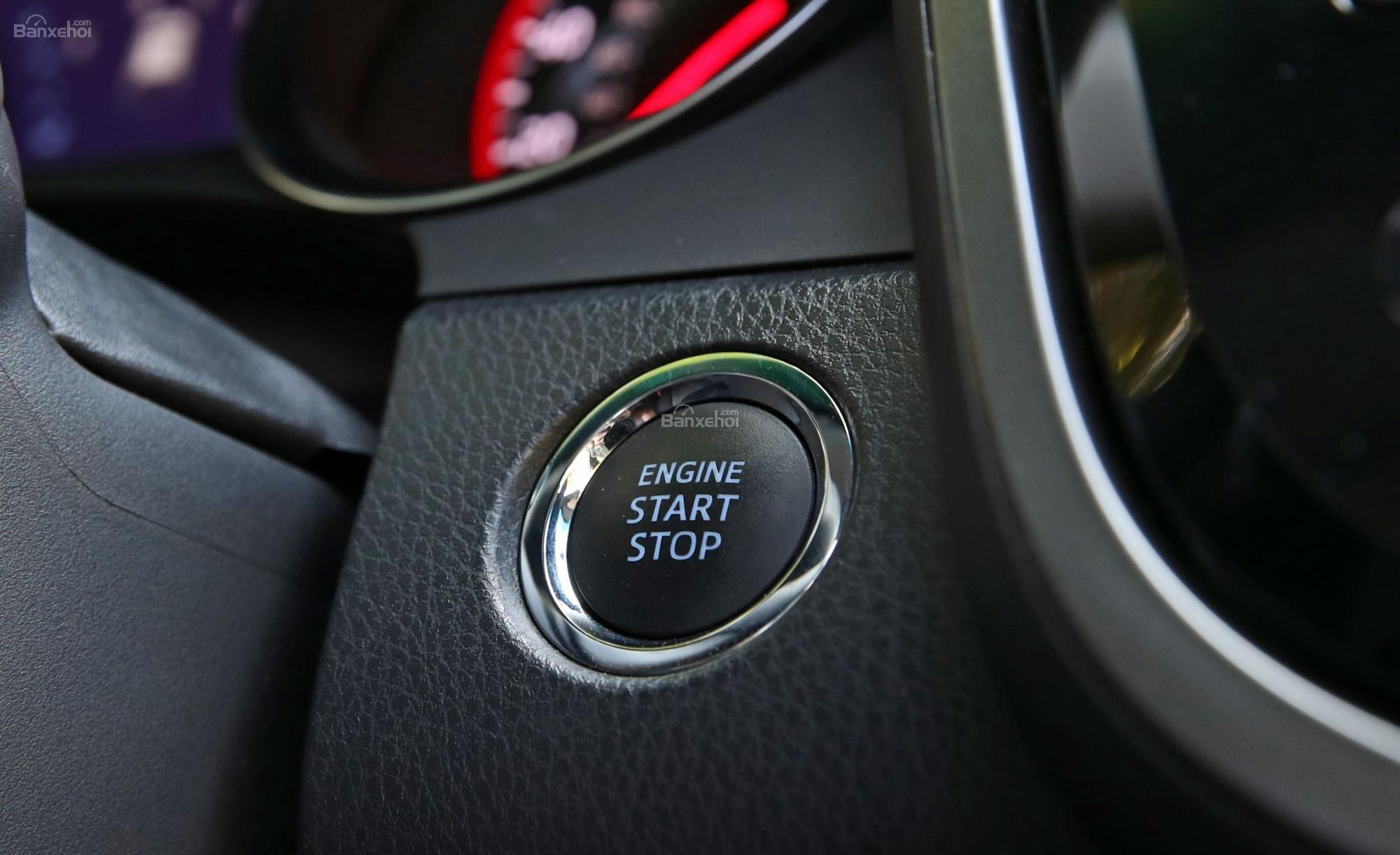 Đánh giá xe Toyota Camry XSE V6 2019