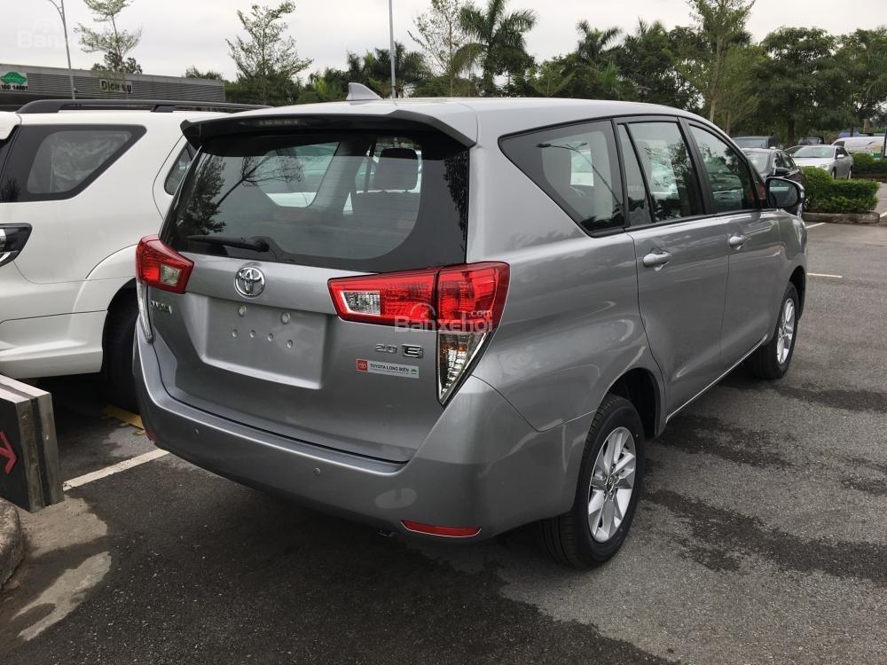 Toyota Hải Dương bán Toyota Innova E, màu bạc, LH 090 634 11 11 Mr Thắng-7
