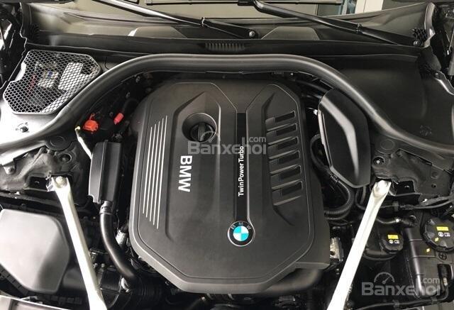 Động cơ của BMW 740Li