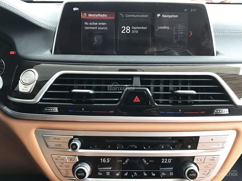 Tiện nghi của BMW 740Li