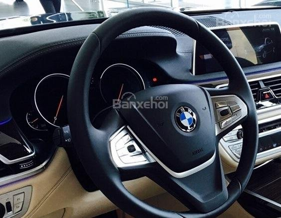 Vô lăng BMW 740Li