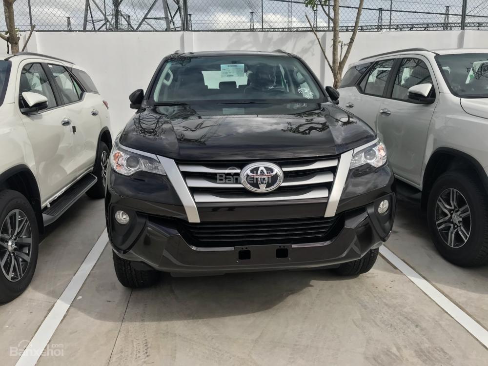 Bán Fortuner 2018 2.7AT máy xăng, đủ màu giao ngay hỗ trợ 85% giá trị xe tại Toyota An Thành Fukushima-2