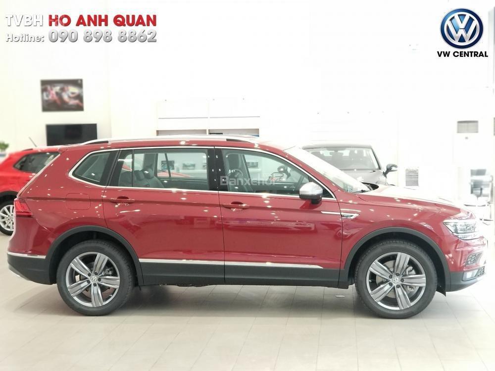 SUV 7 chỗ Tiguan Allspace màu đỏ ruby giao ngay - Xem và lái thử xe tại nhà, hotline: 090.898.8862 (Mr. Anh Quân) (1)
