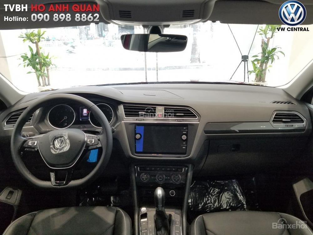 SUV 7 chỗ Tiguan Allspace màu đỏ ruby giao ngay - Xem và lái thử xe tại nhà, hotline: 090.898.8862 (Mr. Anh Quân) (3)