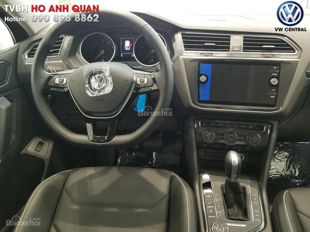SUV 7 chỗ Tiguan Allspace màu đỏ ruby giao ngay - Xem và lái thử xe tại nhà, hotline: 090.898.8862 (Mr. Anh Quân) (4)