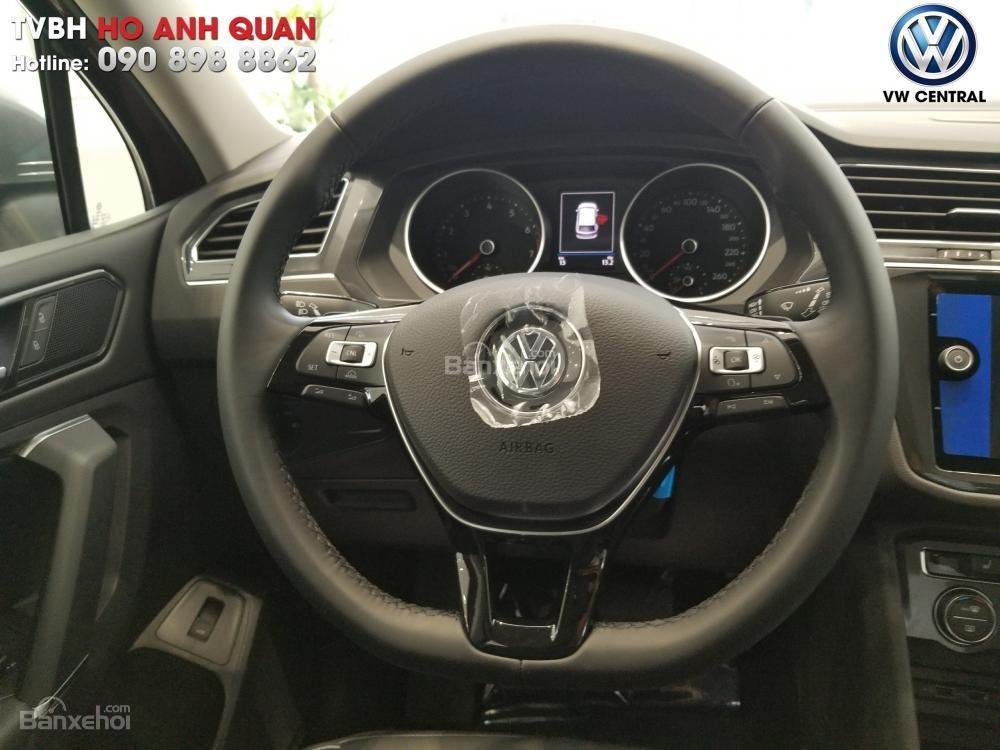 SUV 7 chỗ Tiguan Allspace màu đỏ ruby giao ngay - Xem và lái thử xe tại nhà, hotline: 090.898.8862 (Mr. Anh Quân) (5)