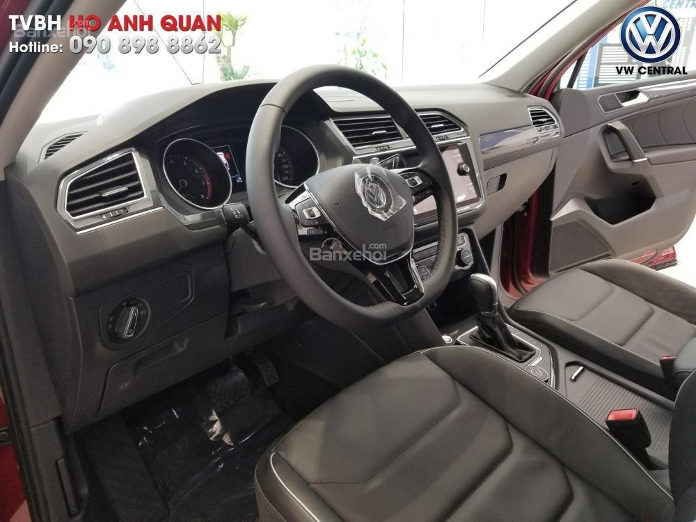 SUV 7 chỗ Tiguan Allspace màu đỏ ruby giao ngay - Xem và lái thử xe tại nhà, hotline: 090.898.8862 (Mr. Anh Quân) (6)