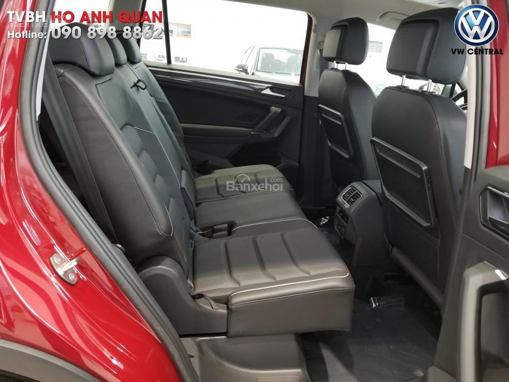 SUV 7 chỗ Tiguan Allspace màu đỏ ruby giao ngay - Xem và lái thử xe tại nhà, hotline: 090.898.8862 (Mr. Anh Quân) (12)