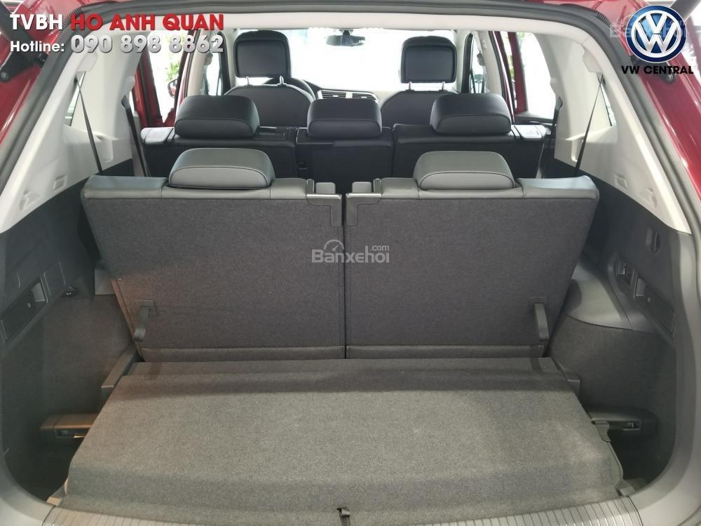 SUV 7 chỗ Tiguan Allspace màu đỏ ruby giao ngay - Xem và lái thử xe tại nhà, hotline: 090.898.8862 (Mr. Anh Quân) (14)