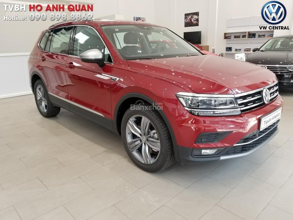 SUV 7 chỗ Tiguan Allspace màu đỏ ruby giao ngay - Xem và lái thử xe tại nhà, hotline: 090.898.8862 (Mr. Anh Quân) (19)