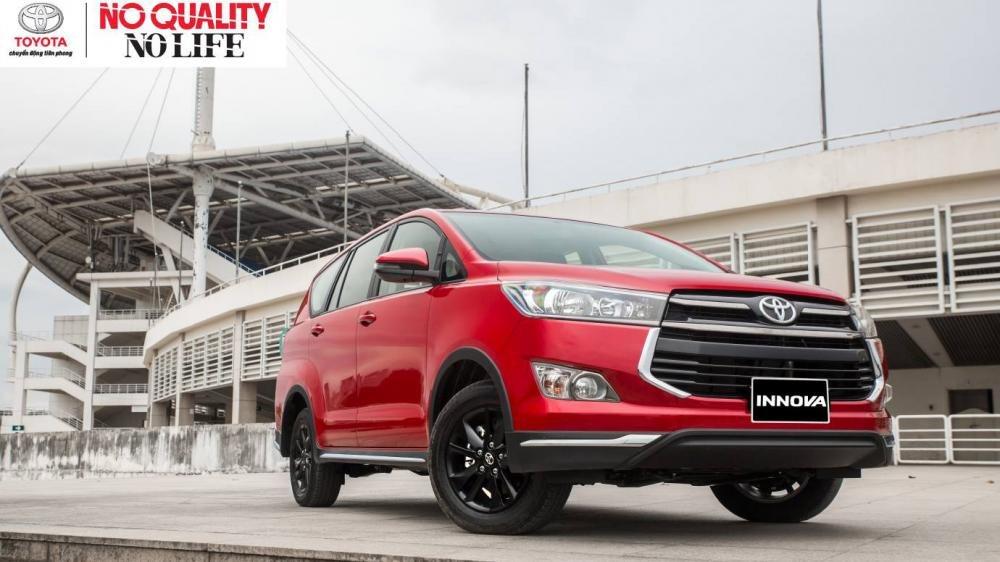 Mua xe gia đình 7 chỗ, nên chọn Toyota Innova 2018 hay Kia Rondo 2018? 12.
