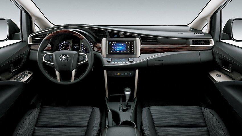 Mua xe gia đình 7 chỗ, nên chọn Toyota Innova 2018 hay Kia Rondo 2018? 5.