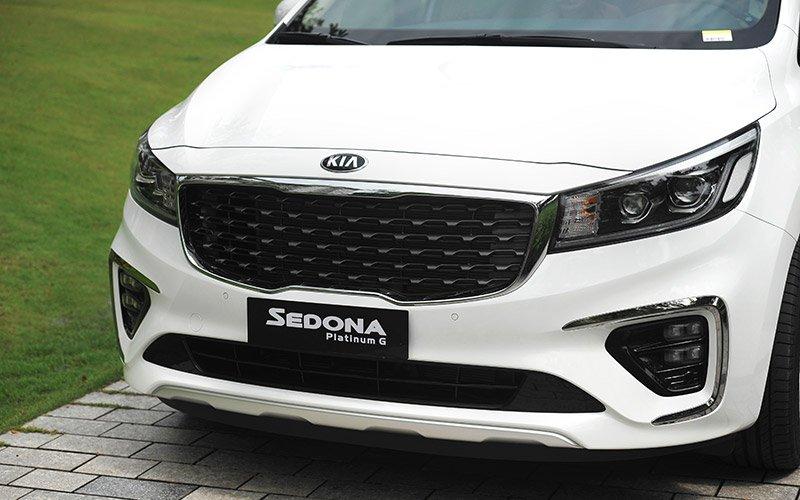 Giá lăn bánh xe Kia Sedona 2019 nâng cấp mới tại Việt Nam.