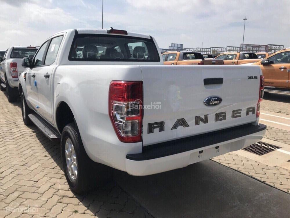 Ford Ranger XLS AT 2.2L 4*2 sx 2018 đủ màu giao ngay, liên hệ Ms. Hoàng để được hỗ trợ-1