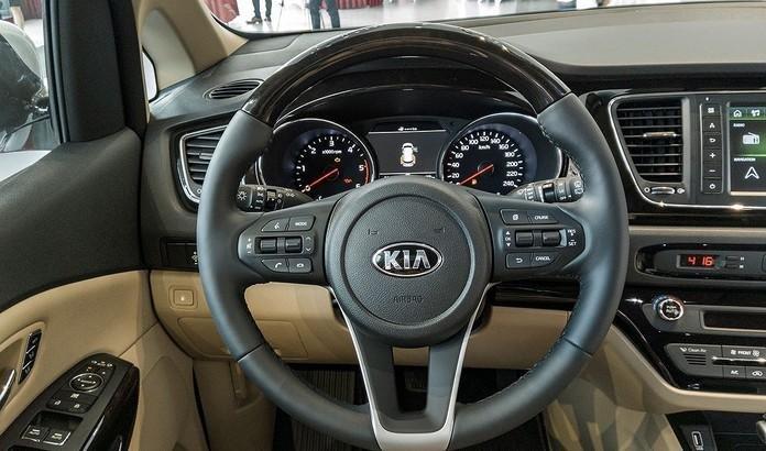 Hơn 400 xe Kia Sedona 2019 bán ra chỉ sau 1 tháng, sức hút từ trang bị mới a5