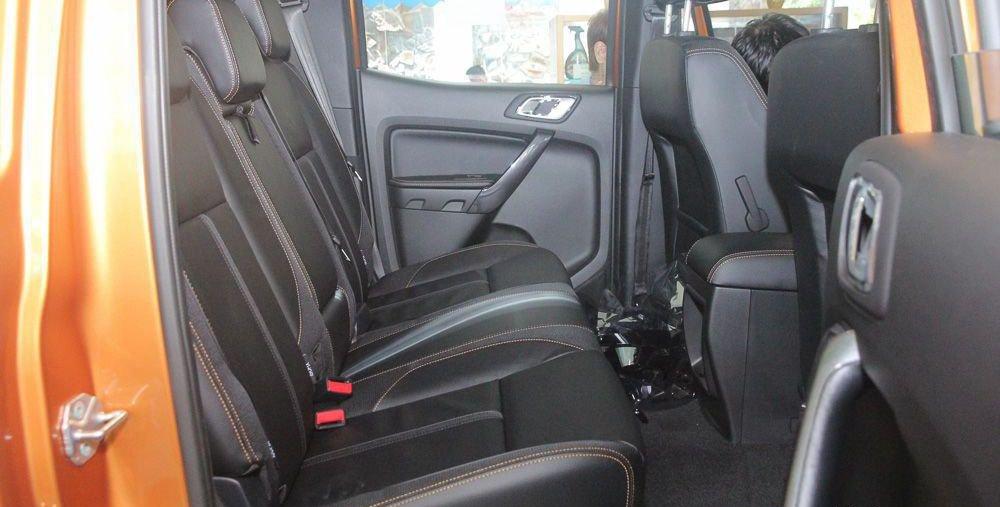 So sánh xe Chevrolet Colorado 2019 và Ford Ranger 2019 về ghế ngồi 3