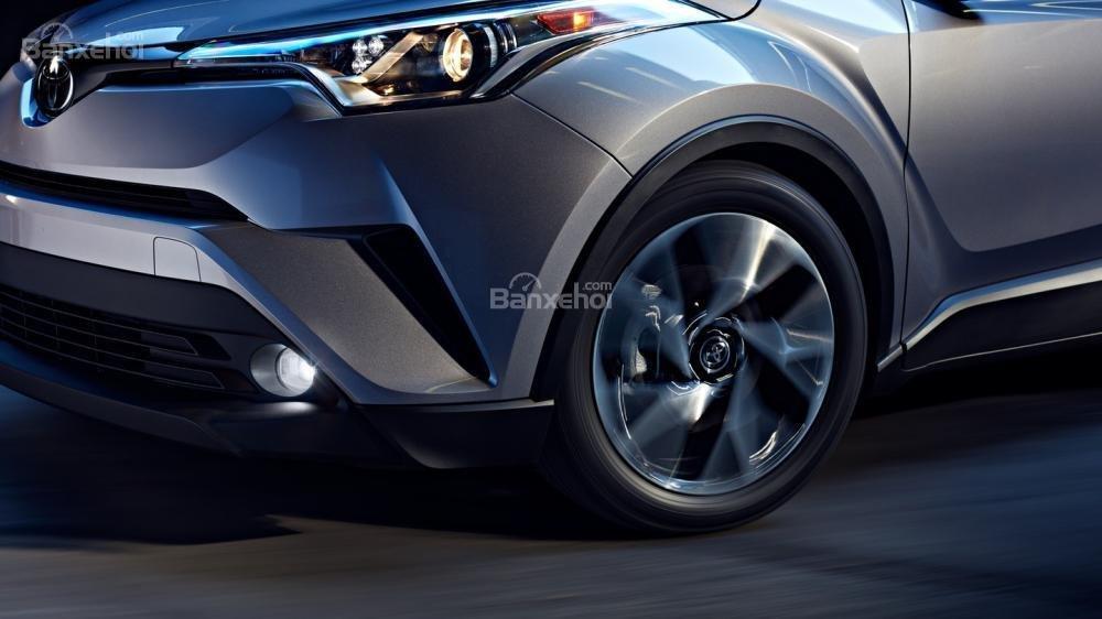 Liệu Toyota C-HR có về Việt Nam đấu Ford Ecosport và Hyundai Kona? a3