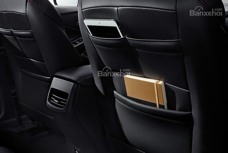Đánh giá xe Chevrolet Orlando 2019: Các vị trí để đồ trong khoang cabin...