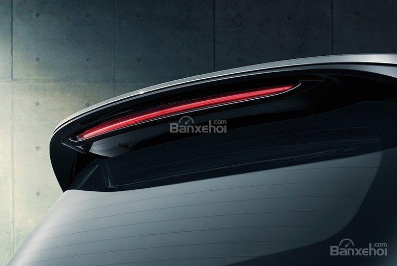 Đánh giá xe Chevrolet Orlando 2019: Cánh gió tích hợp đèn phanh trên cao...