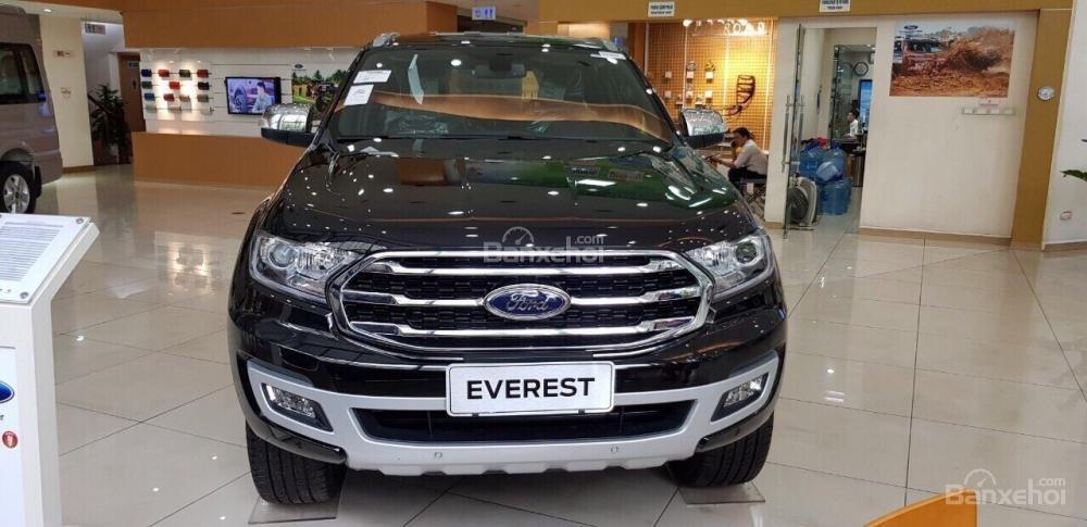 Cần bán xe Ford Everest 2.0 Titanium năm 2018, nhập khẩu nguyên chiếc, đủ màu giao ngay, LH 0974286009-2