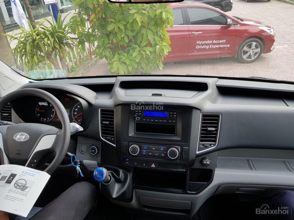 Đánh giá xe Hyundai Solati 2019 về bảng táp-lô a2
