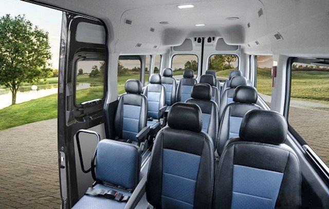 Đánh giá xe Hyundai Solati 2019 về ghế ngồi 1