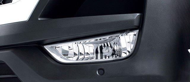 Đánh giá xe Hyundai Solati 2019: Hốc đèn sương mù chia thành hai ngăn 1