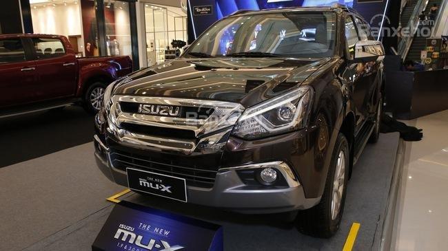 Đánh giá xe Isuzu mu-X 2019: Đầu xe.
