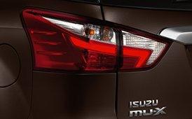 Đánh giá xe Isuzu mu-X 2019: Đèn hậu.