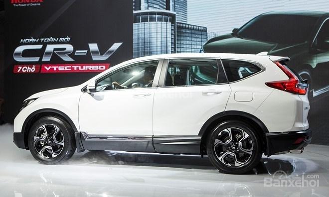 Honda CR-V 2018 và Toyota Fortuner 2018 về phần thân 1