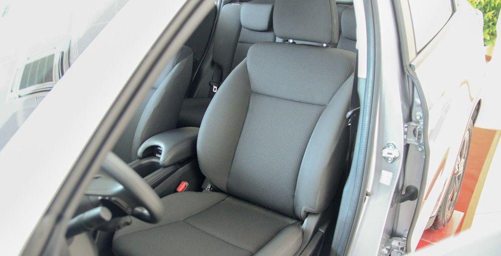 So sánh xe Mazda CX-5 2018 và Honda HR-V 2018 về ghế ngồi 3