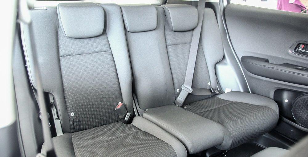 So sánh xe Mazda CX-5 2018 và Honda HR-V 2018 về ghế ngồi 7