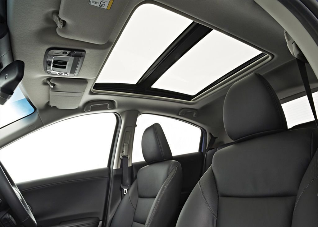 So sánh xe Mazda CX-5 2018 và Honda HR-V 2018 về trang bị an toàn 3