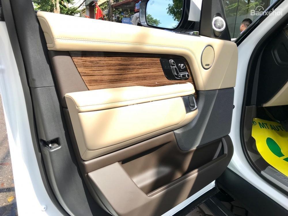 Bán ô tô LandRover Range Rover HSE đời 2019, màu trắng, nhập khẩu nguyên chiếc từ Mỹ. LH Ms Hương 0945.39.2468 (10)