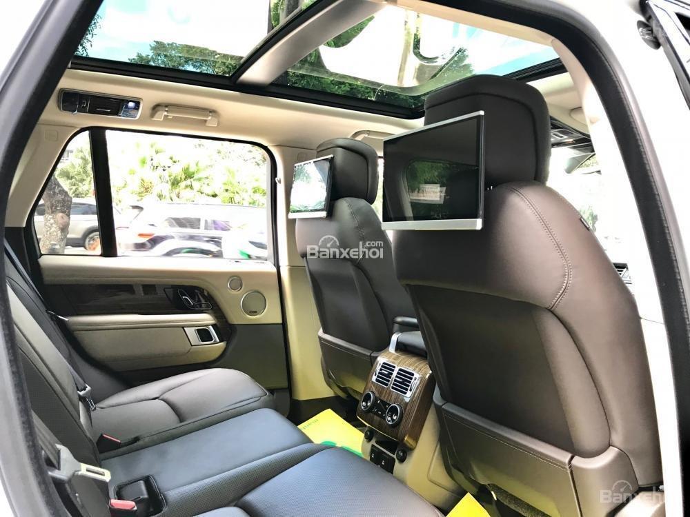 Bán ô tô LandRover Range Rover HSE đời 2019, màu trắng, nhập khẩu nguyên chiếc từ Mỹ. LH Ms Hương 0945.39.2468 (18)