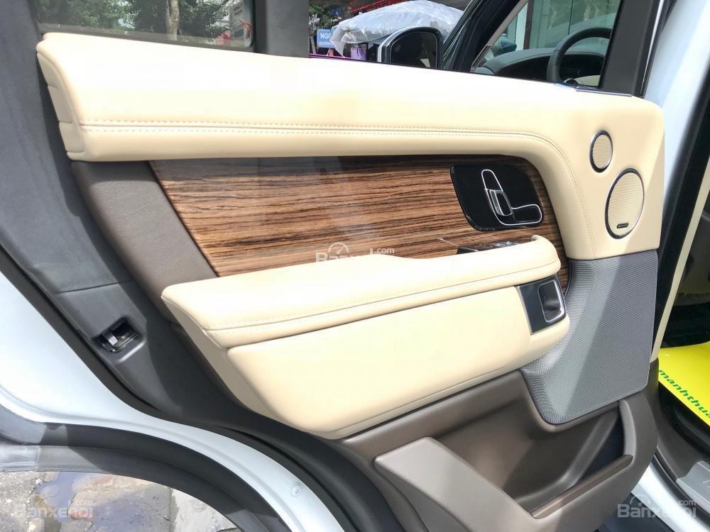 Bán ô tô LandRover Range Rover HSE đời 2019, màu trắng, nhập khẩu nguyên chiếc từ Mỹ. LH Ms Hương 0945.39.2468 (14)