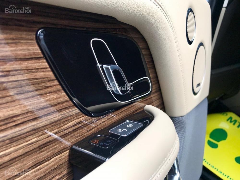 Bán ô tô LandRover Range Rover HSE đời 2019, màu trắng, nhập khẩu nguyên chiếc từ Mỹ. LH Ms Hương 0945.39.2468 (15)